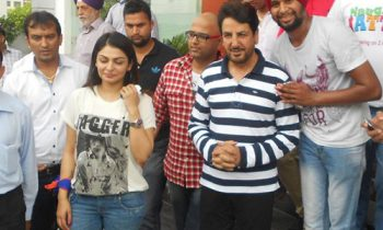 Gurdas Maan Saab Donate Blood