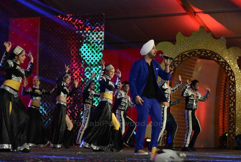 Diljit Dosanjh Performance on Stage