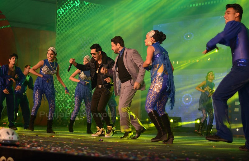 Gurdas Maan Dancing With Gippy Grewal