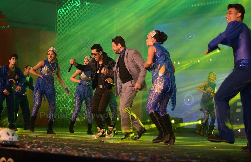 Gurdas Maan Dancing With Gippy Grewal