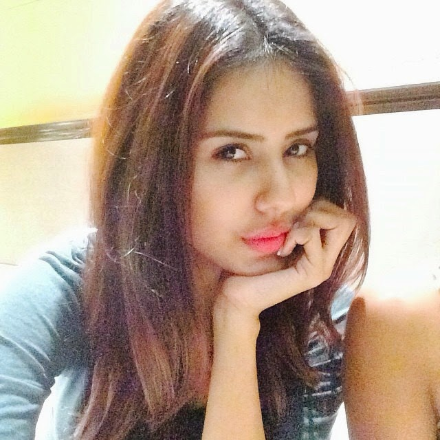 Sonam Bajwa style