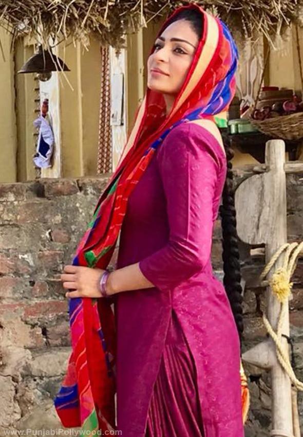 Neeru-Bajwa-Punjabi-Suit