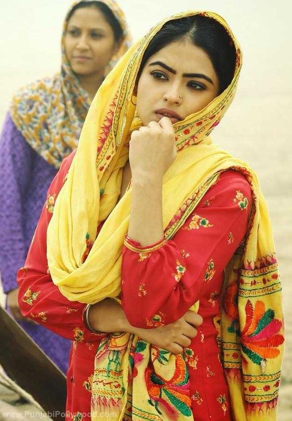 Simi-Chahal-Punjabi-Suits