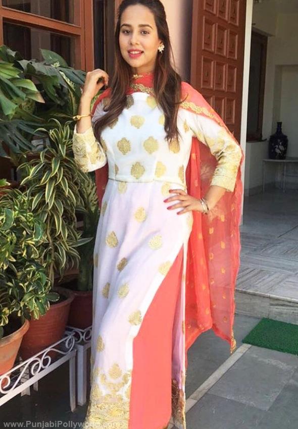 Sunanda-Sharma-Punjabi-Suit