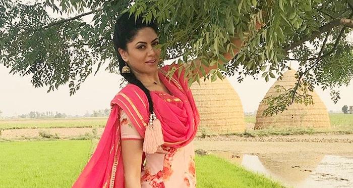 Kavita-Kaushik-Facebook-Stop