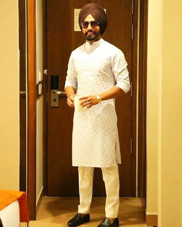 ammy virk in punjabi traditional dress